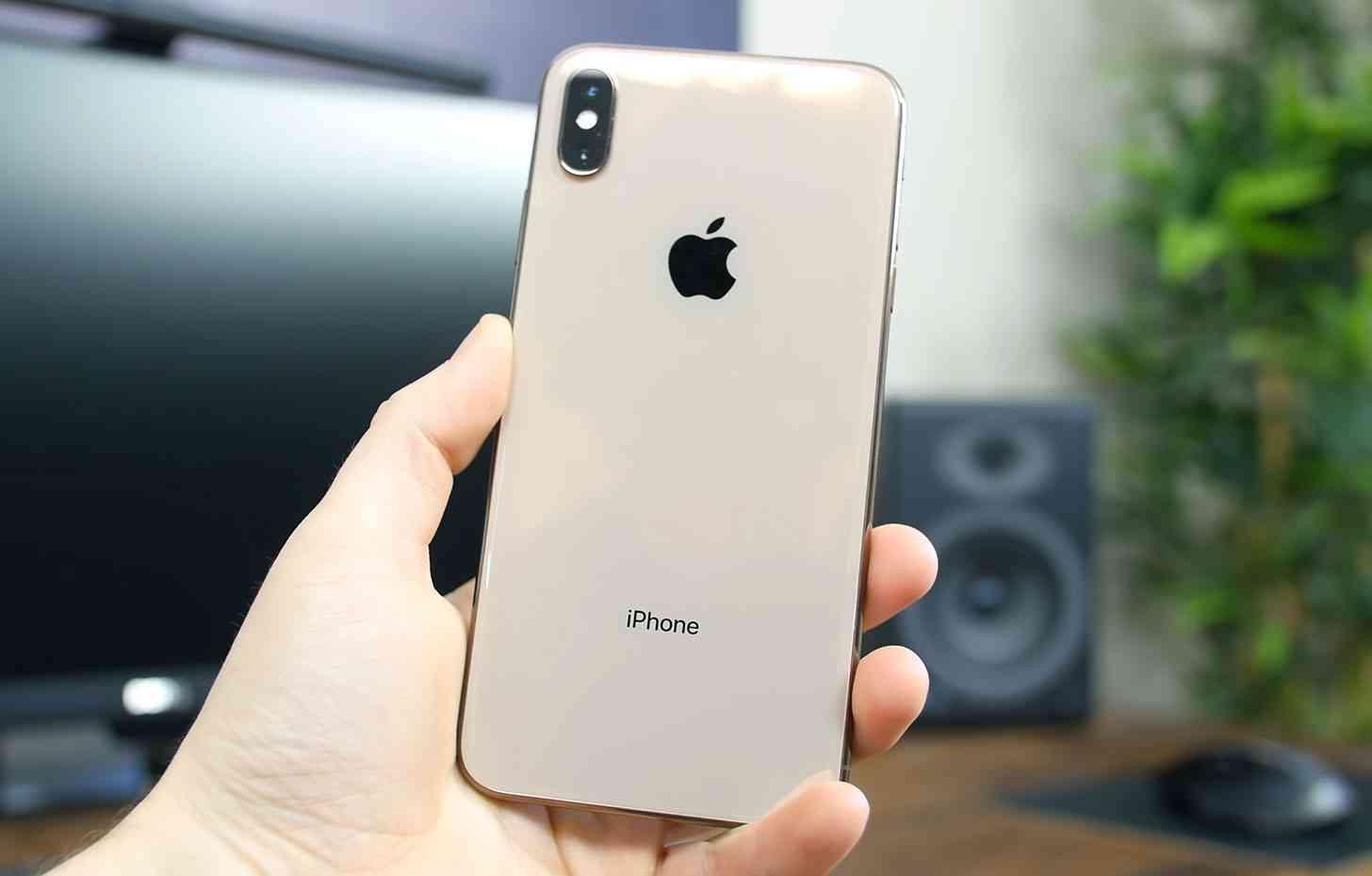 iPhone, Newscrable